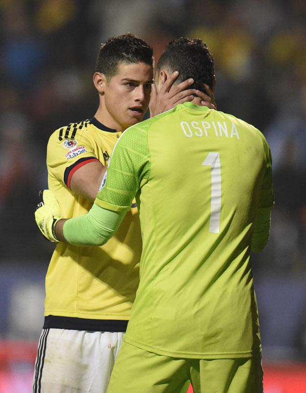 James, ici avec son beauf avant la séance de tirs au but perdue face à l'Argentine lors de la Copa América 2015