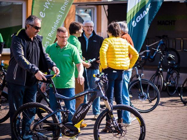 Erfolgreiche Eröffnung der e-motion e-Bike Welt Frankfurt