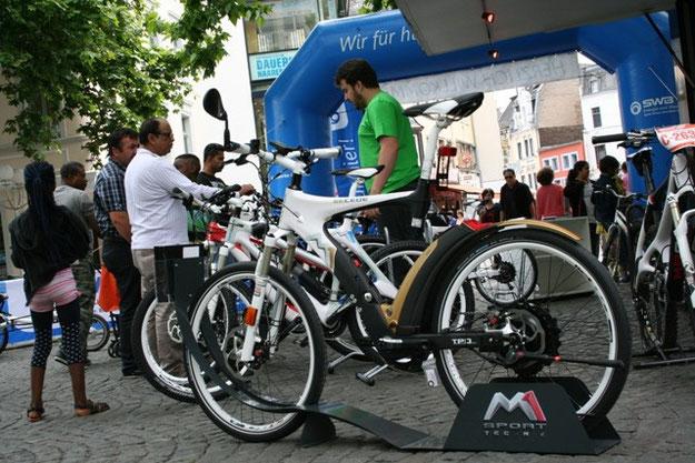 e-motion e-Bike Premium Shop Bonn beim Tag der Elektromobilität