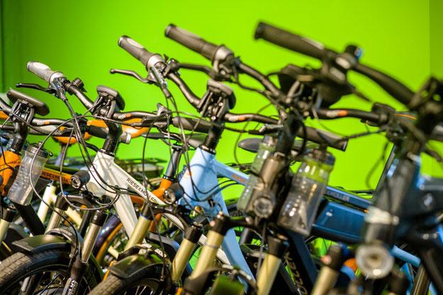 e-motion e-Bike Welt Schleswig mit großer e-Bike und e-Bike Zubehör Auswahl