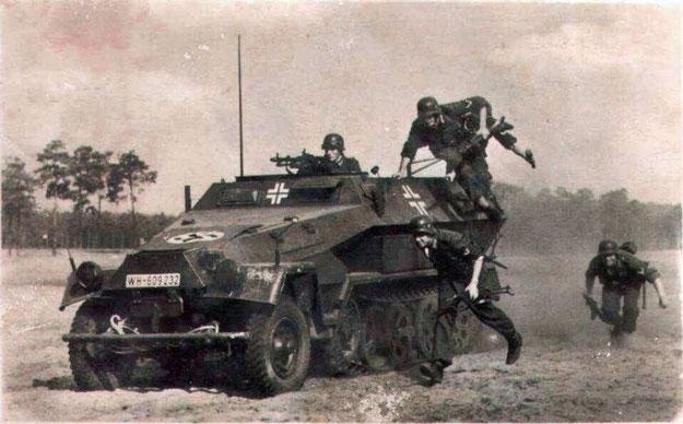 Le Sd.Kfz 251 allemand est précurseur dans le domaine de l'infanterie mécanisée