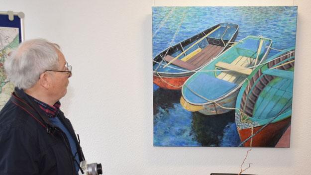 Auch der Quickborner Autor Peter Jäger bewunderte die Arbeiten