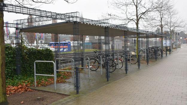 ... deshalb sollen einige der offenen Stellplätze zu Mietboxen umgebaut werden.