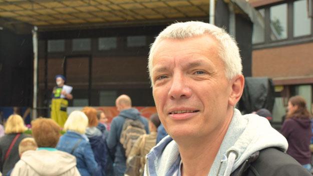 ließen sich viele Politiker auf dem Fest sehen: Hier der Landtagsabgeordnete Peter Lehnert (CDU) ...