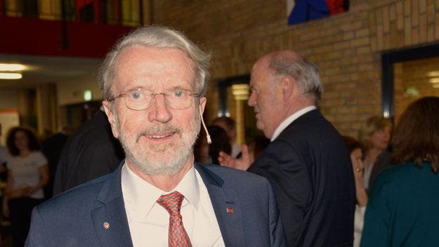 """Dr. Frank Sonntag bekleidete im rotarischen Jahr 2016/2017 auch das Amt eines """"Governors"""" für den norddeutschen Bezirk 1890."""