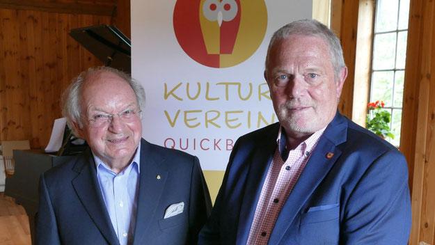 Besuch vom Kreis ist ja in Quickborn eher selten: Umso mehr freute sich Johannes Schneider, den Kreispräsidenten Helmuth Ahrens (CDU) begrüßen zu können