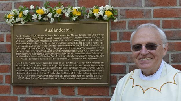 """Das """"Ausländerfest"""" der Katholischen Kirche, das heute zu den größten Festen der Stadt zählt, lag Guttmann immer besonders am Herzen."""