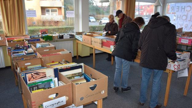 Großer Beliebtheit erfreute sich wieder der Bücherflohmarkt des Ev.-Luth. Kirche