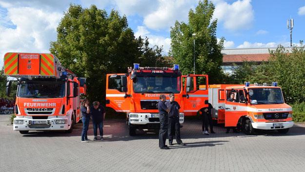 Die Feuerwehr war mit drei Fahrzeugen dabei