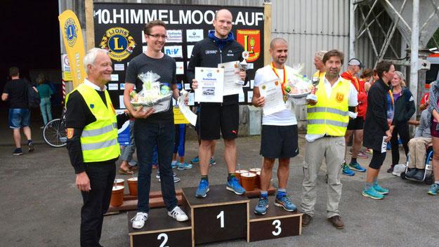 Die Sieger über die 4,1-km-Distanz: David Krischke (1. Platz), Björn Pannemenn (2. Platz) und Hakan Ercel (3. Platz)