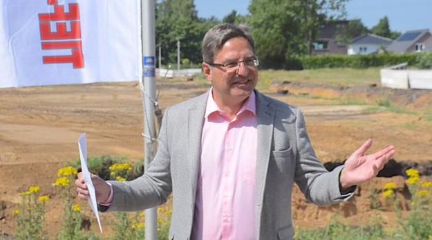 Bürgermeister Thomas Köppl lobte die gute, schon seit Jahrzehnten bestehende Zusammenarbeit mit der LEG, die schon für die Entwicklung des Stadtzentrums verantwortlich war.
