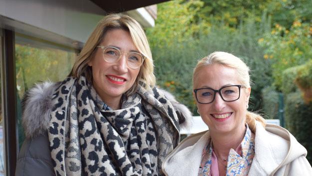 Beim Marketing wird Modeunternehmerin Katja Bär (r.) kompetent von ihrer Schwester Swaantje Taube unterstützt