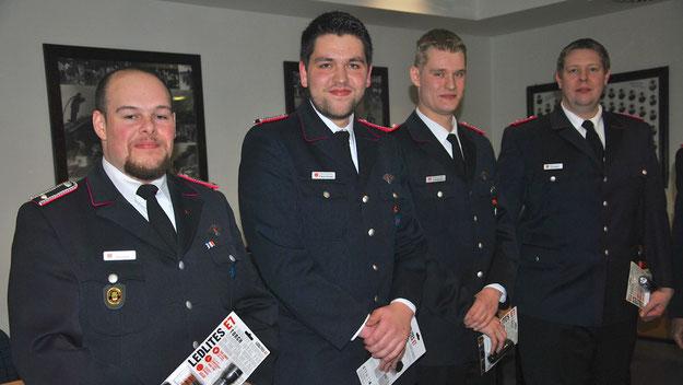 Auszeichnung für 100 % Dienstbeteiligung: Emin Abay, Steven Krause, Luca Geerken, Tim Readwin (v.l.)