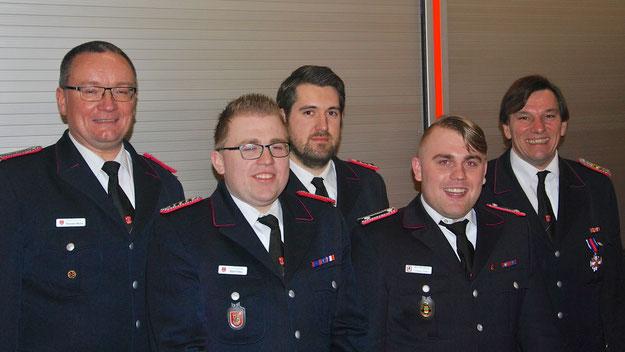 Thorsten Wiehe, Björn Fehrs (neuer Zugführer2), Nils Köppl (Gruppenführer der Gruppe5), Torben Fehrs (Führer Gruppe4) und Jan Bestmann (v.L.)