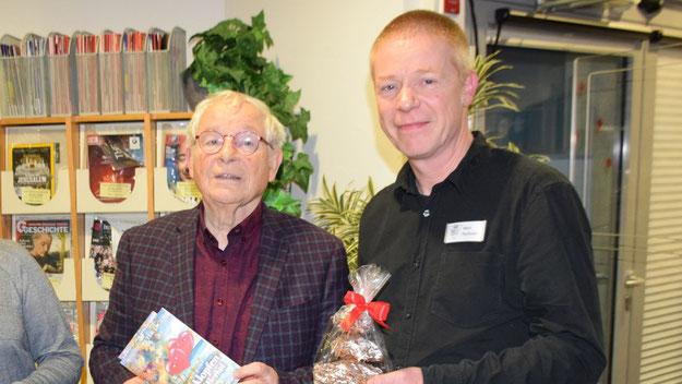 Wiederholt konnte Fechner in der Reihe der von ihm organisierten Lesungen den Quickborner Autoren Peter Jäger als Vortragenden begrüßen.
