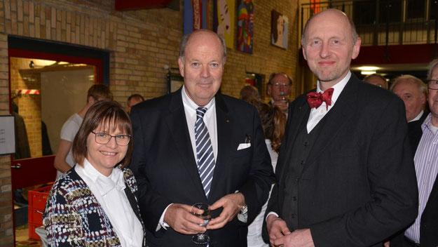 Als Ehrengast konnte Rotary-Präsident Jens Bosse den schleswig-holsteinischen Innenminister Hans-Joachim Grote mit seiner Frau begrüßen