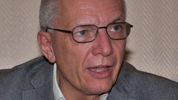 MdL Peter Lehnert leitete die Sitzung