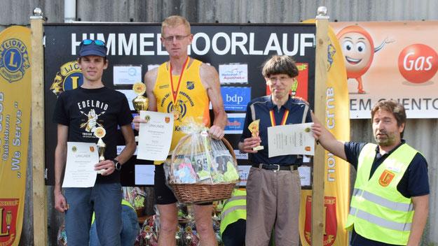 Die Sieger des 9,1-km-Hauptlaufes: Sören Ohm, Arne Schröder und Nikolaus Meyberg