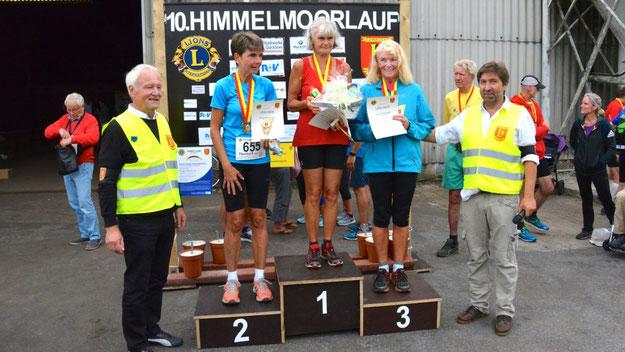 Siegerinnen über 4,1 km Walking: Doris Lewerenz (1. Platz), Patricia Strenge (2. Platz) und Wiebke Nahrwold.