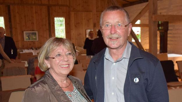 Rudolf Timm, der Vorsitzende des Dorfvereins Renzel, besuchte das Konzert gemeinsam mit seiner Frau und begrüßte die Besucher mit einer launigen Rede.