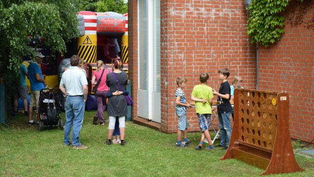 Auch die Hüpfburg erfreute sich bei den kleinen Besuchern großer Beliebtheit.