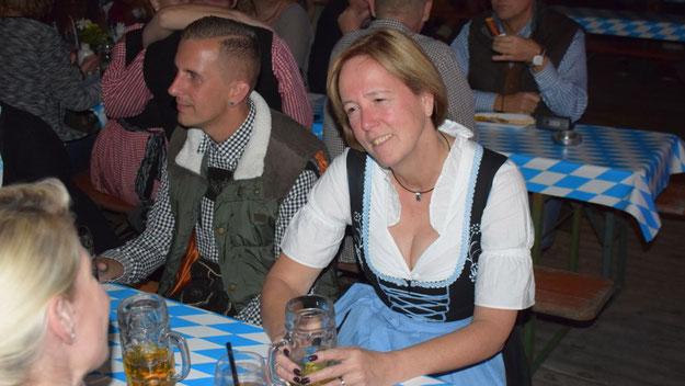 Auch Ragna Köppl, Frau des Bürgermeisters, zeigte sich zünftig.