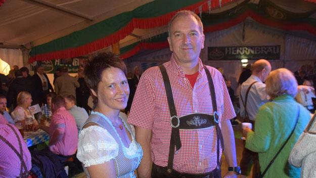 Fachbereichsleiter Uwe Scharpenberg besuchte gemeinsam mit seiner Frau das Fest.