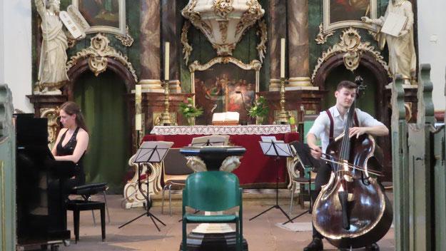 Dominik Wagner (Kontrabass) und Daria Parkhomenko  (Klavier) verzauberten zur Eröffnung das Publikum mit einem Werk von Giovanni Bottesini
