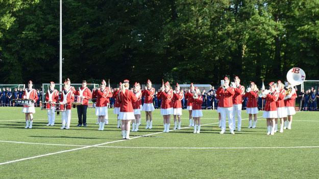 Für eine schwungvolle Untermalung der Zeremonie sorgte die Jugend Brass Band