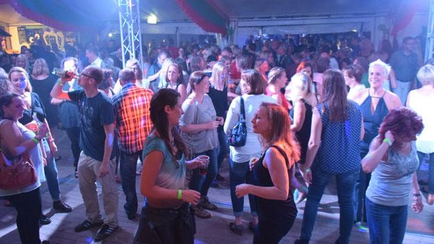 Gut gefüllt war die Tanzfläche auf der Ü30-Party.