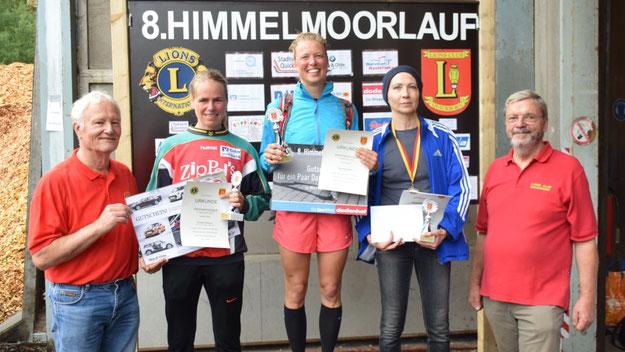 Die Siegerinnen des Hauptlaufes: Katja Reuschlein (1. Platz, Mitte), Christine Dörscher (2. Platz, links) und Johanna Goldschmidt.