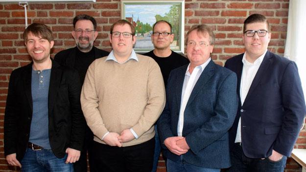 Aus Malchow waren die SPD-Genossen Matthias Hoffmann (stellv. Juso-Kreisvorsitzender, 3.v.l.), Thomas Noah und Hartmut Kretschmer (Fraktionsvorsitzender und Kreistagsabgeordneter, 2.v.r)) angereist.