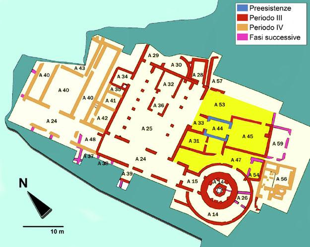 L'area dell'episcopio (in giallo), tra la chiesa A e il Battistero [elaborazione P. Miscione]