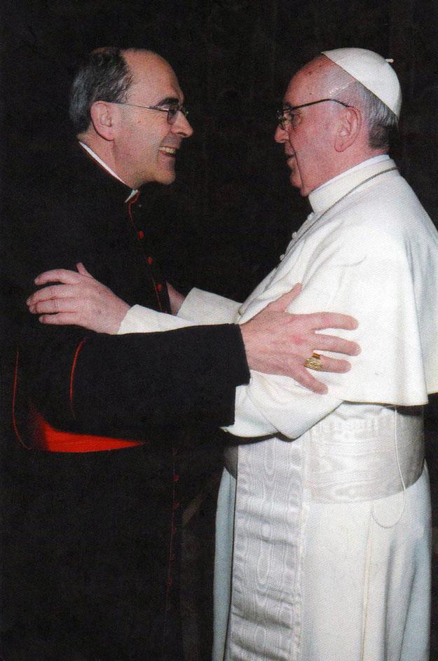Le Pape François et le Cardinal Philippe Barbarin (avec l'aimable autorisation du Cardinal Philippe Barbarin qui m'a offert cette photo)