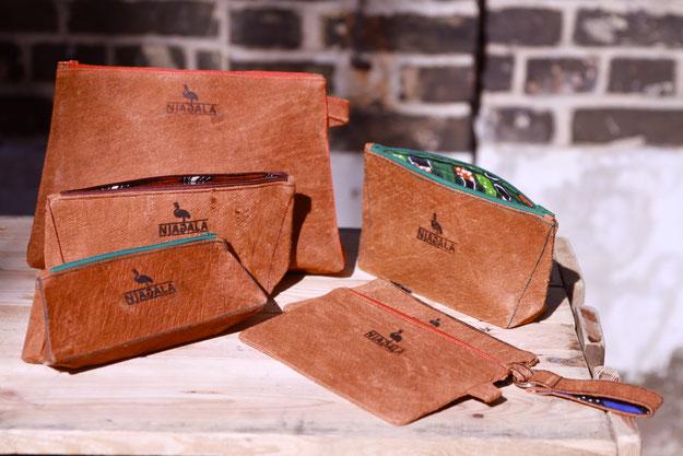 Produkte von Njagala: Unikate aus veganem Leder (Barkcloth), nachhaltige Mode made in Uganda. # fair # natürlich # sozial # Handmade