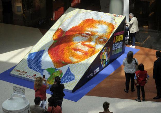 Mosaico de Nelson Mandela, expuesto en el Marineda City (A Coruña). Tomado de http://www.farodevigo.es/