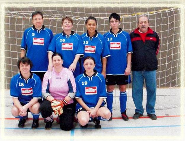 Das Frauenfussballteam beim Hallenturnier in Plochingen 2012