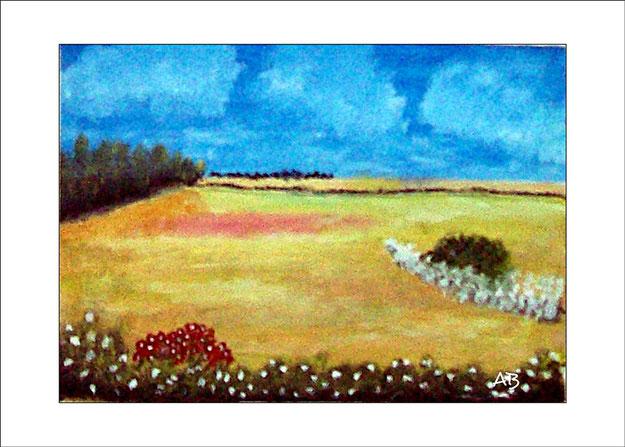 Landschaft mit wolkigem, blauen Himmel, Baumreihe, Buschreihe, Bäumen, Büschen, Blumen und Felder. Im Vordergrund sind blühende Büsche-Ölmalerei