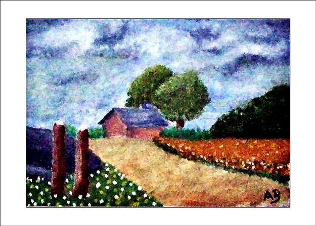 Bauernhaus mit Bäumen, Blumenwiesen, Weg, Wald, bewölkter Himmel