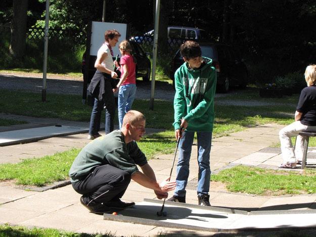 Jugendwart Björn Müller kümmert sich um die jungen Gäste