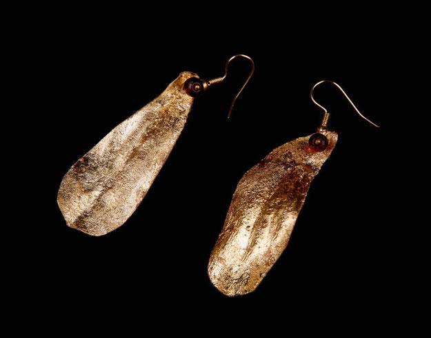 Boucles feuilles de gui, cuivre doré et grenats