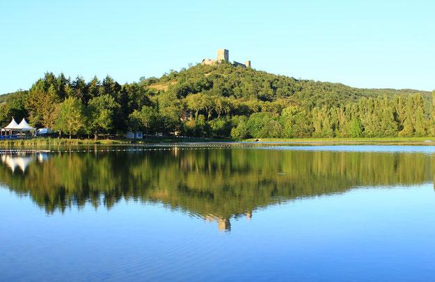 Espace VTT Aude en Pyrénées - Château et Lac de Puivert