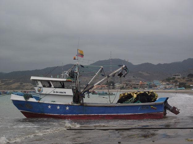 Fishing boats of manabi province ecuador featherytravels for Fishing in ecuador