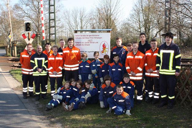 Jugendfeuerwehr und Betreuer 2014 2. v. r. Jens Hauffe Jugendwart