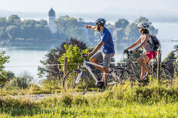 e bike fahren macht fit und h lt gesund e motion e bikes. Black Bedroom Furniture Sets. Home Design Ideas