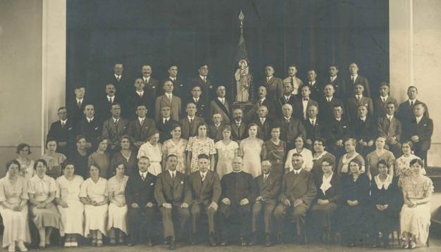 Der Kirchenchor mit Pfarrrektor Hülsmann im Jubiläumsjahr 1934
