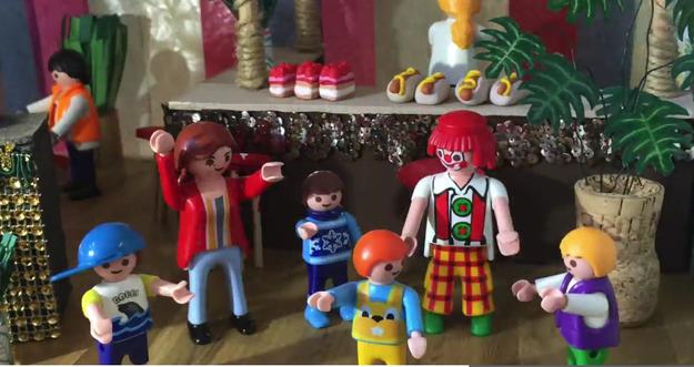 Mit animierten Playmobil-Figuren wird das Angebot des Hauses der Jugend vermittelt.