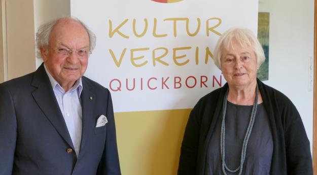 Besonders bedankte sich Johannes Schneider bei Gastgeberin Margreth Cotterell, die ihren zauberhaften Helenenhof zur Verfügung gestellt hatte, für ihre Gestfreundschaft und die sorgfältige Vorbereitung