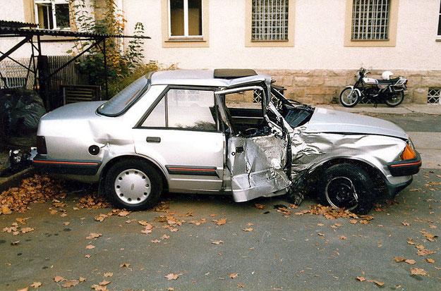 Das Auto des Unfallverursachers