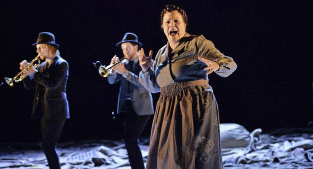 Szenenfoto Nationaltheater Mannheim 2013, Anke Schubert mit Band (c) Christian Kleiner